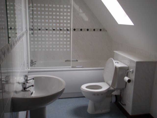 2 Bed Room Holiday Cottage Bathroom at the Acland Self-catering Accommodation, Stogursey, Bridgwater, Somerset